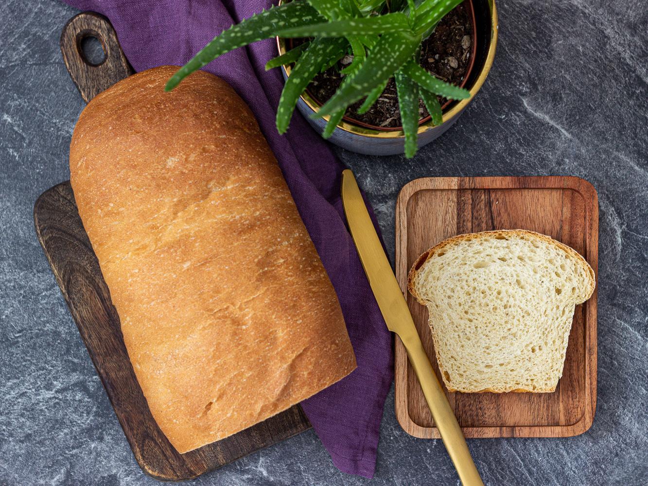 Kváskový toastový chleba